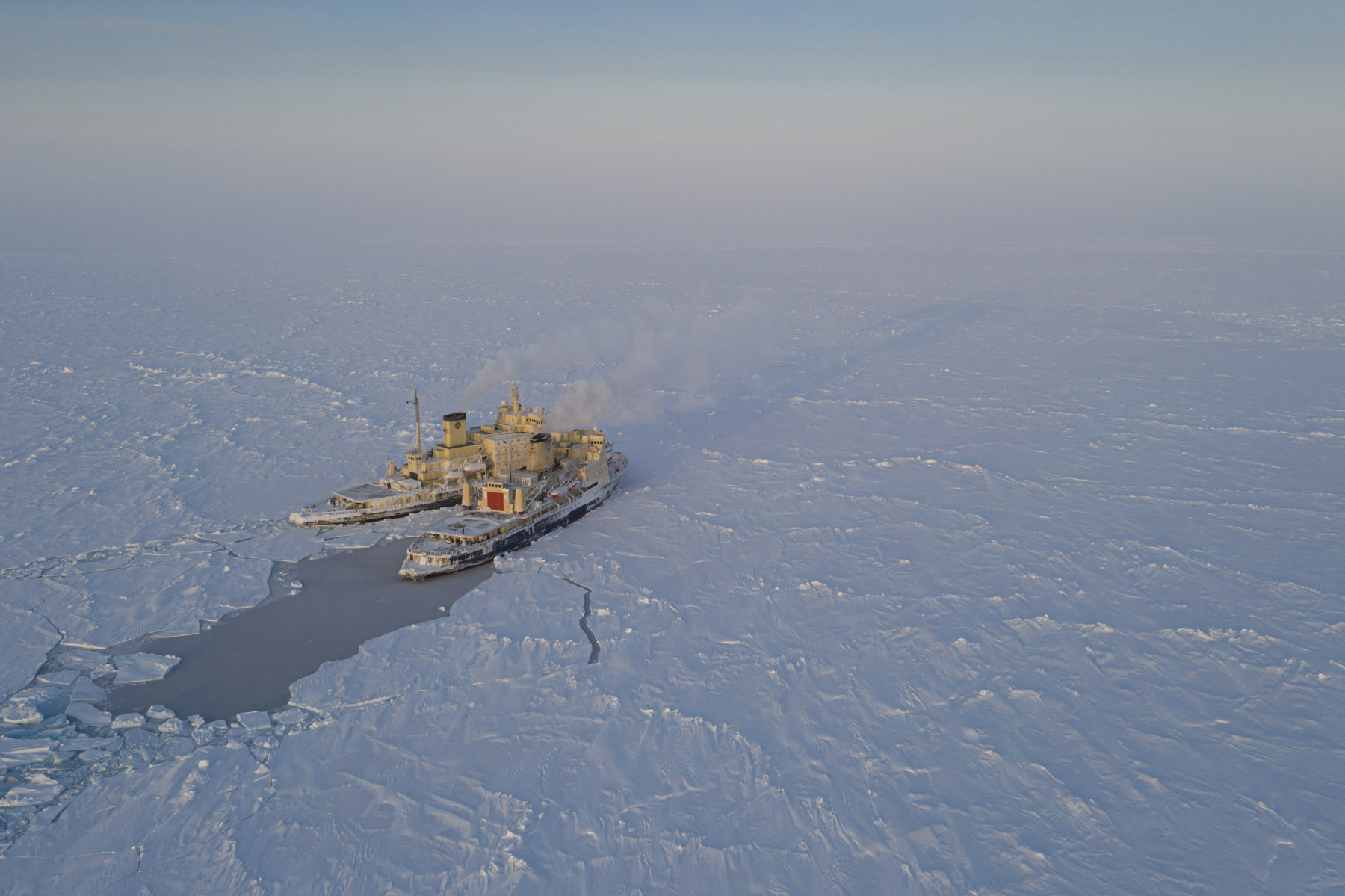 Russian icebreakers during MOSAiC expedition
